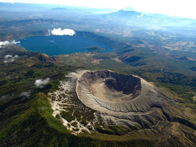 """中币行情看点:萨尔瓦多总统发文称将推行""""火山""""挖矿"""